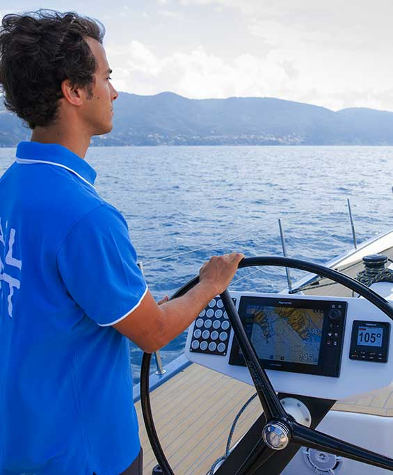 Navigate the open water with marine electronic charts | Raymarine - A Brand by FLIR
